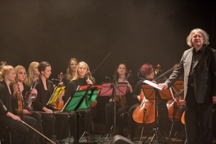 liudni-slibinai-su-vdu-kameriniu-orkestru-31